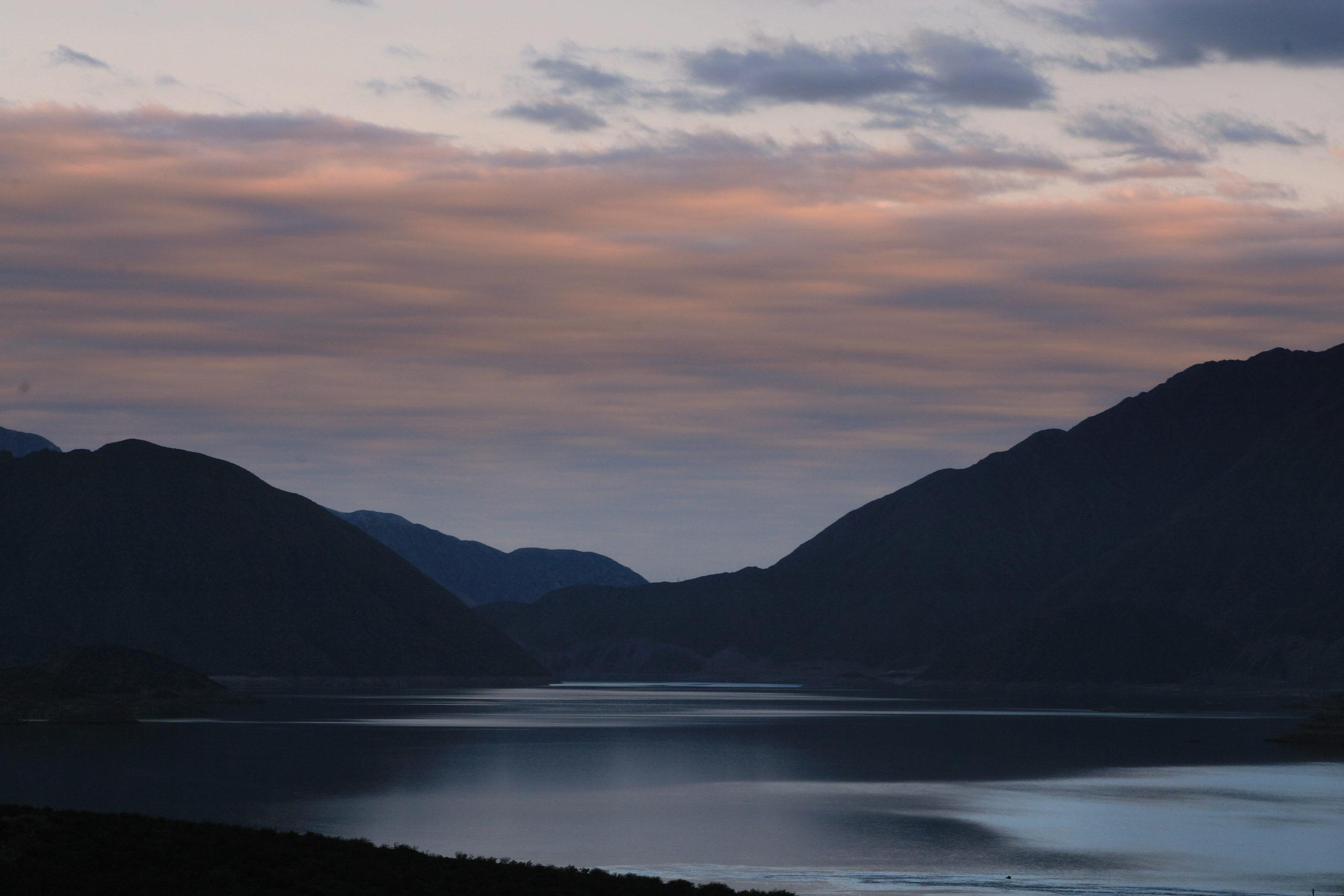 lago de Potrerillos, Mendoza, Argentina - Cabañas